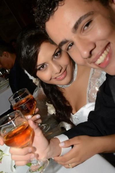"""Quesia e Rodrigo Fernandes disseram """"sim"""" um ao outro em cerimônia realizada em 25 de março de 2013 na cidade de Dourados (MS)"""