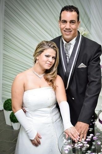 """Gilson Francisco da Silva disse e ouviu o """"sim"""" de sua amada, Grasiele Cristine Oliveira Cunha, em Miguel Pereira (RJ) no dia 19 de janeiro de 2013."""