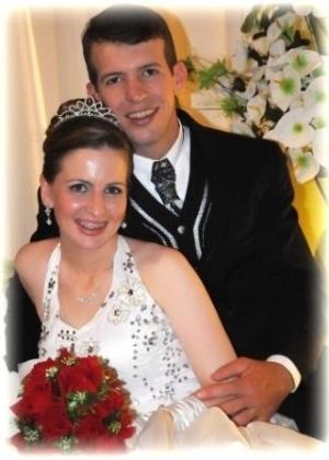Rafael Evandro Dewes e Silvane Ines Thewes, de São Pedro do Butiá (RS), casaram-se em 13 de outubro de 2012. 'Foi o dia mais feliz de nossas vidas, inesquecível...?, diz a noiva.