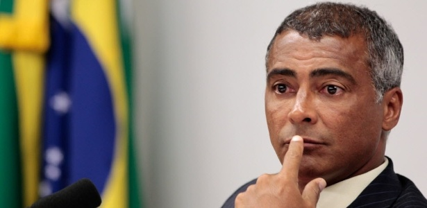 Romário será submetido a uma cirurgia para aliviar dores nas costas