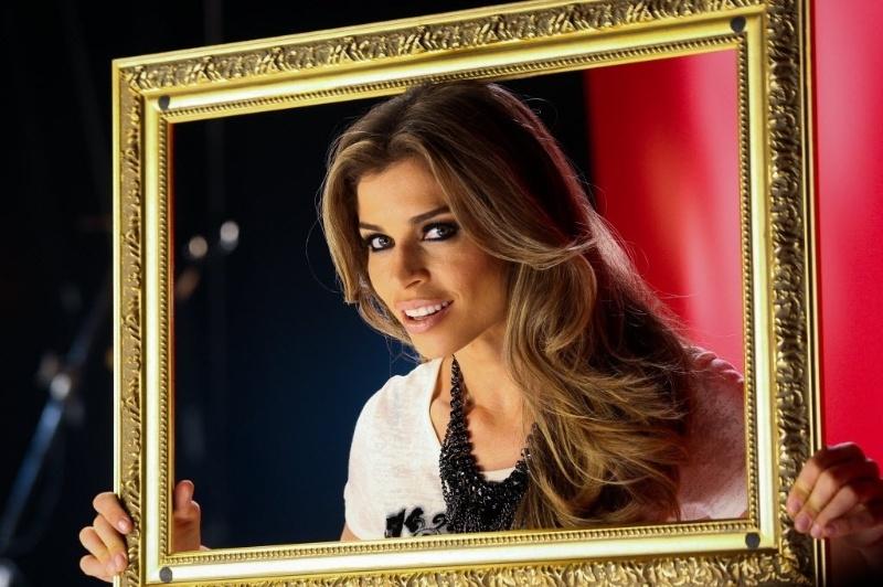 """28.jun.2014 - A paranaense Grazi Massafera começou a carreira como modelo e ganhou destaque nacional ao participar do reality show """"Big Brother Brasil 5"""", em 2005. No ano seguinte, Grazi participou de sua primeira novela, """"Páginas da Vida"""" (2006). Também atuou em outras tramas, como """"Negócio da China"""" (2009) e """"Tempos Modernos"""" (2010) e """"Flor do Caribe"""" (2013). Grazi tem uma filha com Cauã Reymond, Sofia, que nasceu em maio de 2012. Ela se separou do ator, que supostamente a teria traído, em 2013. Neste sábado (28), a atriz e modelo completa 32 anos. Relembre a trajetória da bela"""