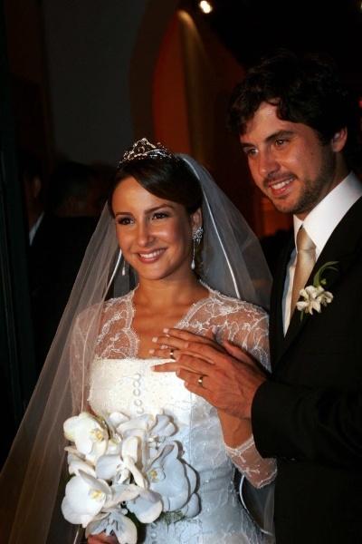 7.mar.2007 - Claudia Leitte e Márcio Pedreira se casam no Convento do Carmo, em Salvador (BA)
