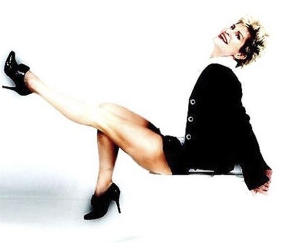 """12.jul.13 - Apresentadora e musa do """"Fantástico"""" na década de 90, a jornalista e modelo Dóris Giesse, 53, mostrou que está em ótima forma ao posar para um ensaio sensual divulgado nesta sexta-feira"""