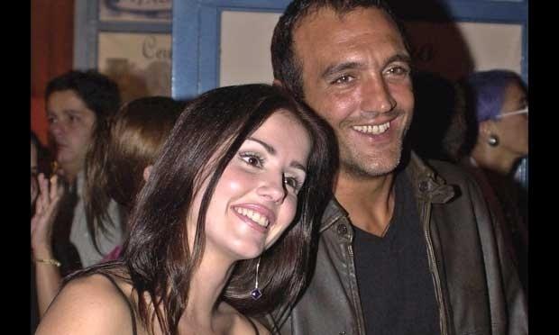 Deborah Secco ficou com o diretor Rogério Gomes, o Papinha, entre 1997 e 2001. Com 18 anos de diferença entre eles, os dois chegaram a morar juntos