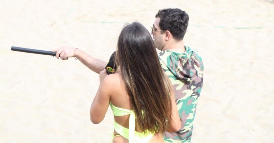 11.ago.2013 - Nicole Bahls e Evandro gravam quadro para o programa 'Pânico' no Rio de Janeiro