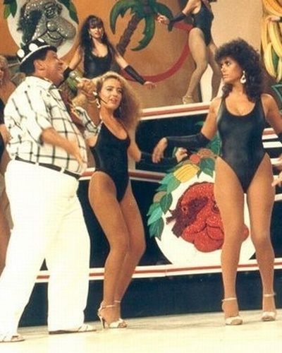 """Outra turma de beldades que enlouquecia o público masculino era formado pelas boletes, as assistentes de palco que usavam maiô no divertido programa """"Clube do Bolinha"""", exibido pela TV Bandeirantes nas décadas de 70, 80 e começo dos anos 90."""