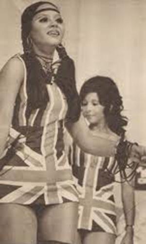 A chacrete  Índia Potira era uma das mais famosas de seu tempo. Morena e brasileiríssima, com penacho na cabeça e apetrechos indígenas, ela atuava ao lado de outras beldades no corpo de balé do Chacrinha.