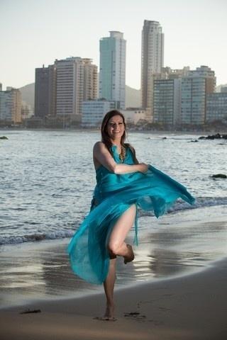 """30.set.2013 - Aos 48 anos e com 59 kg distribuídos em 1,72 m de altura, Isadora Ribeiro falou ao """"Ego"""" sobre o que mais admira em seu corpo: """"Sou uma mulher natural, sem silicones, sem plásticas. Por enquanto [risos]. Mas não descarto nenhum procedimento que precise realizar no futuro"""", garantiu a bela"""