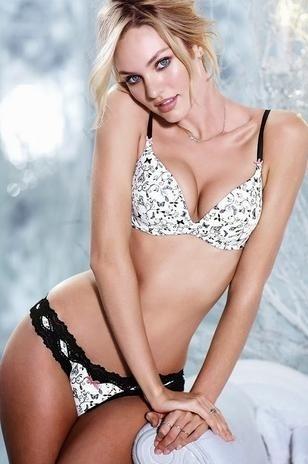 18.out.2013 - A modelo Candice Swanepoel arrasou em mais um ensaio sensual para o novo catálogo de lingerie da grife Victoria's Secret. A sul-africana mostrou suas as curvas com calcinhas e sutiãs rendados e com transparências.