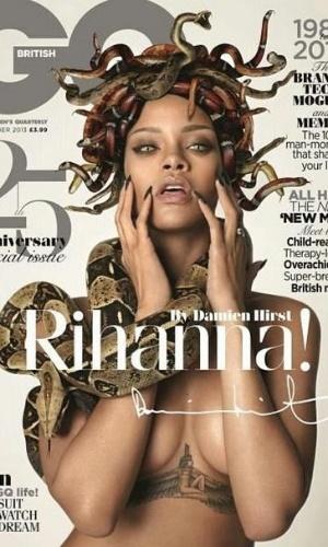 28.out.2013 - Rihanna posou como Medusa para um ensaio especial da edição comemorativa dos 25 anos da revista GQ britânica