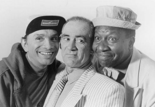 """1990 - Os humoristas Mussum, Renato Aragão (Didi) e Dedé Santana, """"Os Trapalhões"""", posam para foto"""