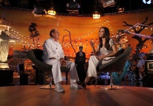 """2010 - Renato Aragão é entrevistado por Patrícia Poeta para o especial de fim de ano da Globo, """"Eu sou Renato Aragão - Especial Didi 50 anos"""", no Projac"""