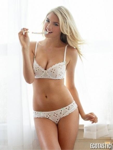 30.mai.2014 - A modelo norte-americana Kate Upton mostrou suas curvas em um ensaio sensual para a revista digital The Men Magazine de junho. Aos 21 anos, a gata posou usando sua própria coleção de lingeries