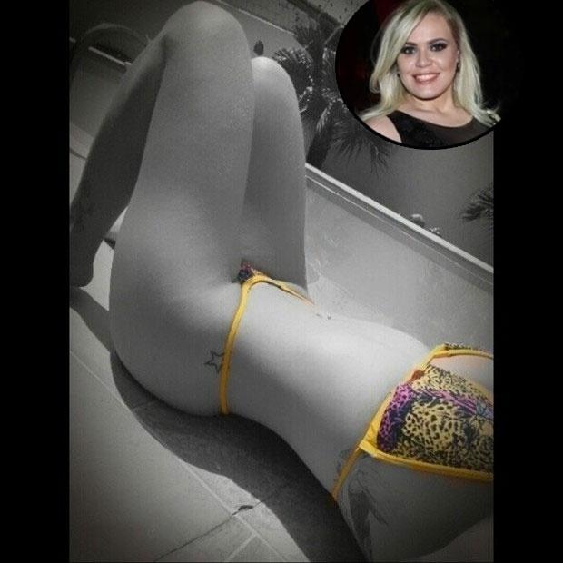 01.jun.2014 - 01.jun.2014 -  Depois de emagrecer 38 kg, Paulinha Leite não cansa de exibir o corpo no Instagram. Neste domingo não foi diferente, a ex-BBB postou uma foto em que aparece de biquíni, deixando em destaque suas pernas e barriga sarada.