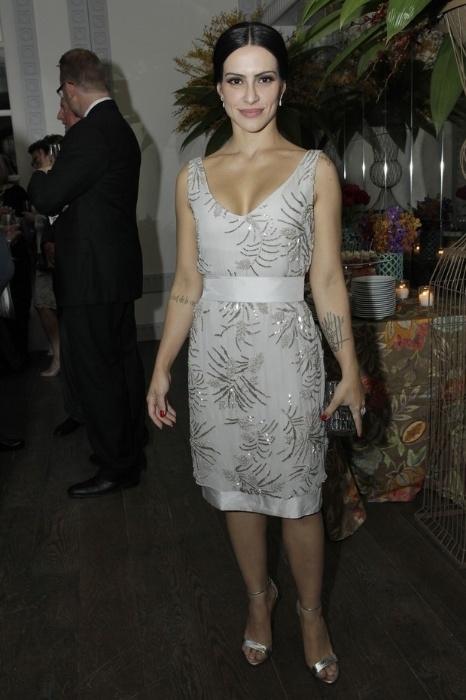4.jun.2014 - Cleo Pires usa vestido da estilista Gloria Coelho durante coquetel em homenagem à atriz Jane Fonda, em Los Angeles, EUA