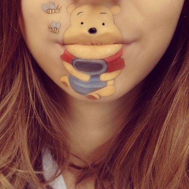 """22.ago.2014 - Pooh, da série animada """"Ursinho Pooh"""", é um dos personagens desenhados pela maquiadora Laura Jenkinson em seu próprio rosto"""