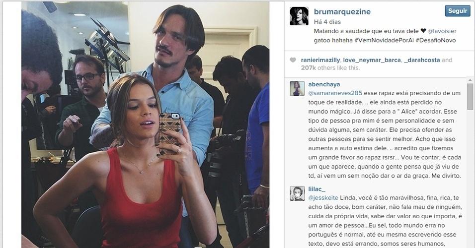 """5.set.2014 - Bruna Marquezine apareceu com o cabelereiro Lavoisier em foto no Instagram e fez mistério sobre a transformação no visual. """"Matando a saudade que eu tava dele ?? @lavoisier gatoo hahaha #VemNovidadePorAi #DesafioNovo"""""""