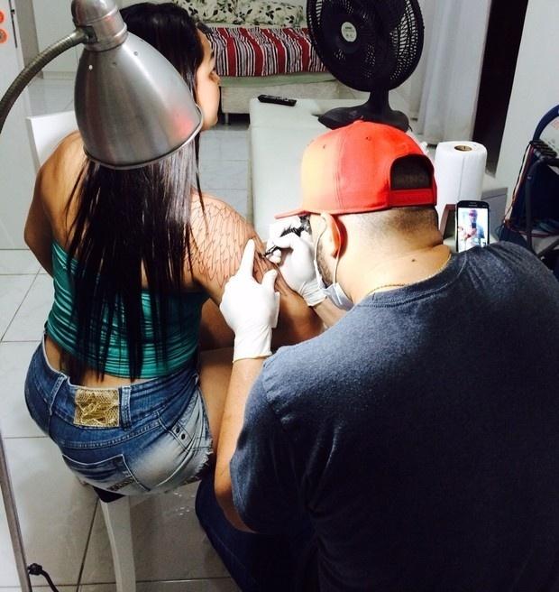 17.set.2014 - Andressa Soares, a Mulher Melancia, acredita que está em uma nova fase, de