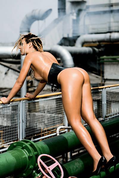 """6.out.2014 - A bela Fernanda Lacerda, a Mendigata do programa """"Pânico da Band"""", é a estrela da capa de outubro da revista """"Playboy""""."""