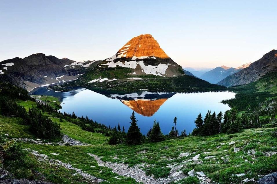 http://imguol.com/c/bol/fotos/2015/03/19/19mar2015---o-site-sala7design-reuniu-uma-lista-com-20-incriveis-fotos-de-paisagens-naturais-ao-redor-do-mundo-as-imagens-sao-fantasticas-e-exibem-a-inspiracao-que-a-natureza-pode-nos-trazer-na-1426776980468_956x636.jpg