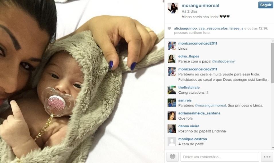 29.mar.2015 - Ellen Cardoso, a Mulher Moranguinho, publicou uma foto de sua filha, de cerca de um mês, no Instagram, na última sexta-feira (27).