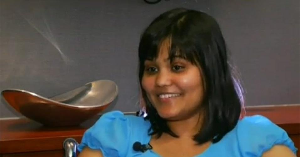 """24.abr.2015 - A jovem Yamini Karanam, 16, foi surpreendida pelo diagnóstico que recebeu após passar por uma cirurgia para remover um tumor de seu cérebro. Os médicos descobriram que o que crescia dentro da cabeça da garota era o """"feto"""" da irmã gêmea da jovem. Segundo o jornal britânico """"DailyMail"""", o teratoma cerebral é muito raro. O médico Hrayr Shahinian, especialista que tratou de Yamini em Los Angeles, afirmou ter feito mais de 7 mil retiradas de tumores cerebrais e esta é apenas a 2ª vez que encontra um teratoma."""
