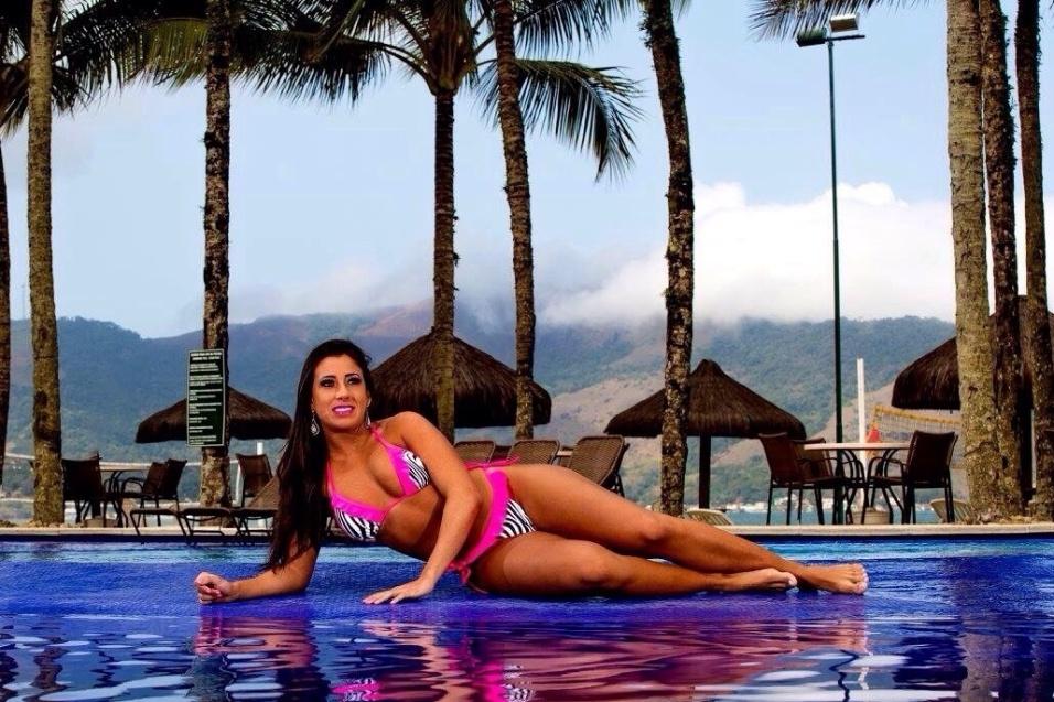 15.dez.2015 - Um dia depois de ser coroada Musa do Brasil, a modelo Thais Eid celebrou o título com um ensaio sensual. A jovem de 25 anos posou de biquíni à beira do mar, mostrando os atributos que a fizeram faturar o concurso