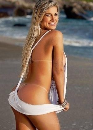 """Andressa em imagem divulgada através do perfil do Facebook da revista """"Sexy"""" de abril (2012)"""