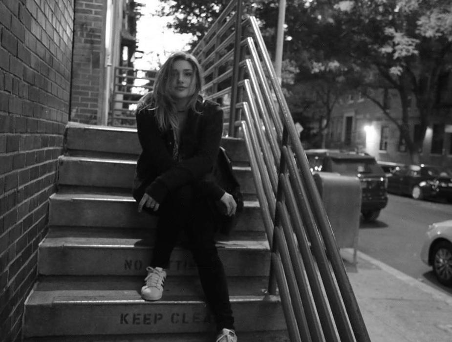 2.out.2016 - Sasha posa para foto em Nova York, poucos dias depois de abrir o acesso de sua conta no Instagram, a imagem foi curtida mais de 10 mil vezes