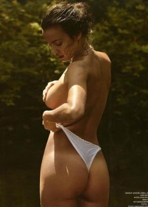 21.jul.2016 - Irina Shayk sensualiza em foto do Instagram