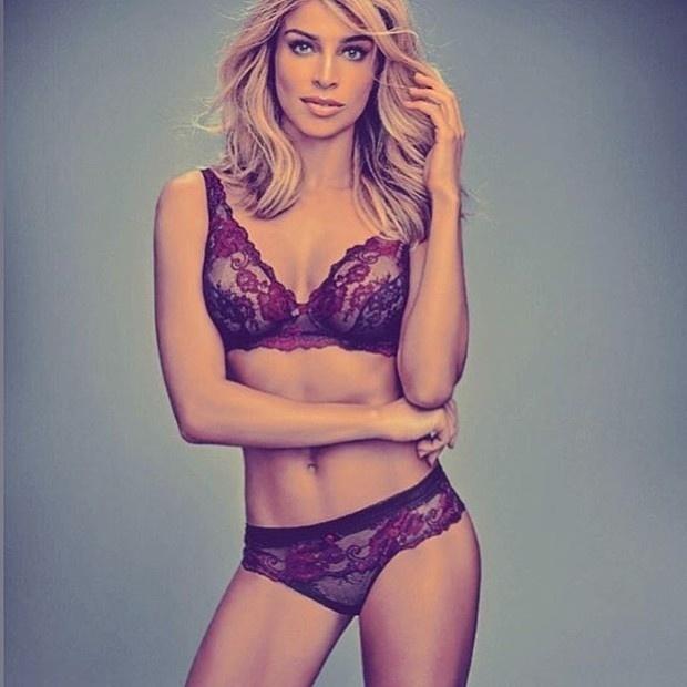 27.abr.2016 - Grazi Massafera mostrou que está em ótima forma ao postar uma foto só de lingerie para uma campanha. A atriz recebeu elogios dos seguidores no Instagram
