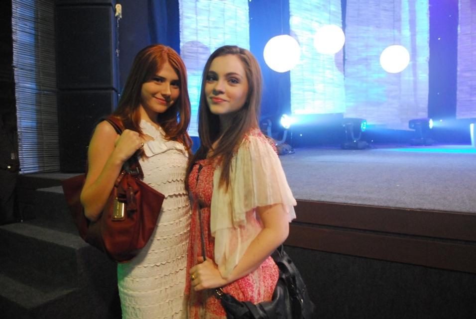 """2010 - Rosário (Mariah Rocha) e Laís (Cecília Dassi) no episódio """"Porque temos fé"""" da minissérie da Globo """"A Vida Alheia"""""""