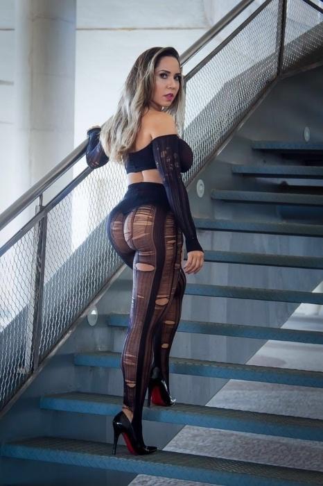 3.mai.2016 - Que abundância. Mulher Melão exibe o bumbum durinho, um dos atributos da funkeira mais mais admirados e invejados pelos fãs. Ela será a estrela de um ensaio na para a revista Sexy de junho