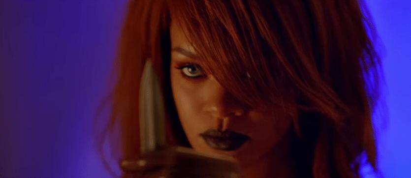 2.jul.2015 - Na história, a cantora é líder de uma quadrilha que sequestra e tortura uma socialite.