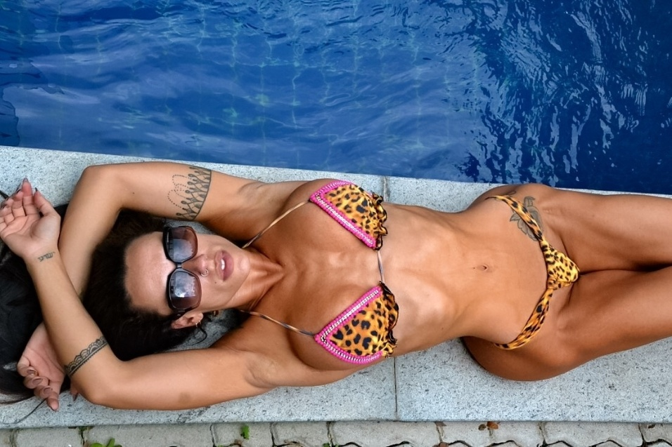 5.fev.2016 - A musa fitness Sue Lasmar revelou que não preparou nenhuma surpresa para sua estreia no Carnaval carioca.