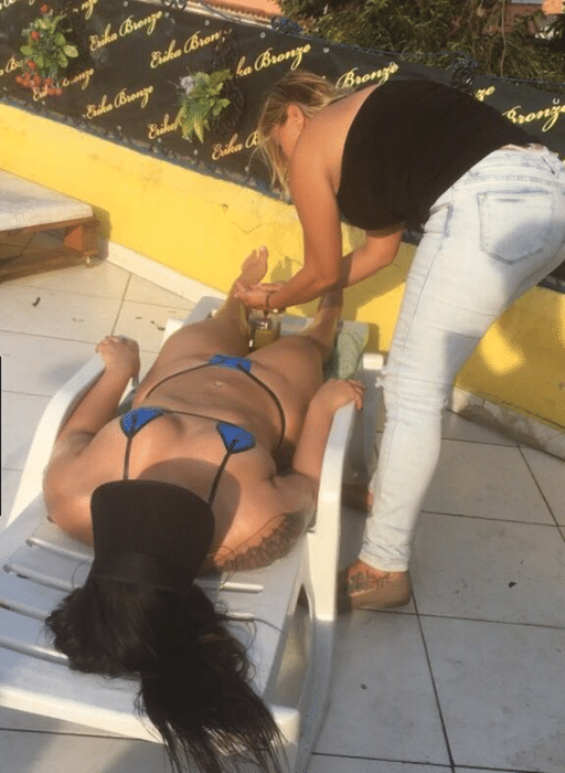 16.ago.2016 - Quem aí quer dar uma ajudinha para a Mulher Melancia se bronzear?
