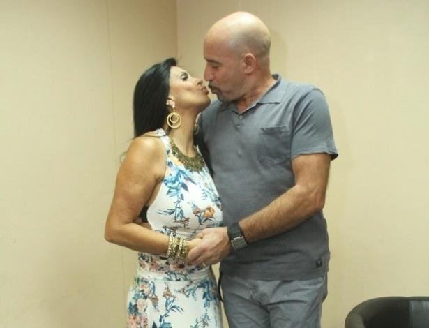 26.out.2015 - Carlos Marques, marido da dançarina, foi um dos motivos pelo qual ela resolveu encerrar a carreira.