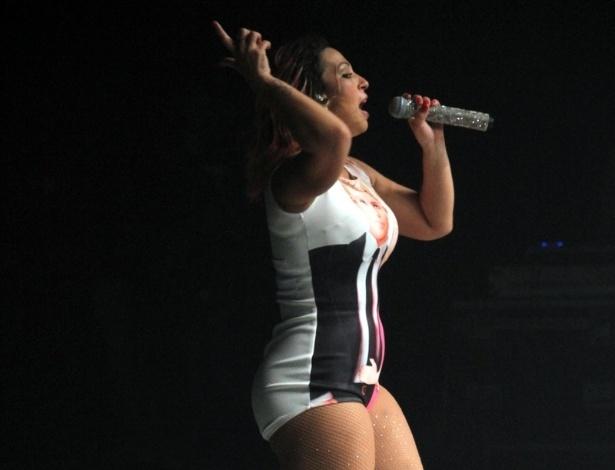 12.set.2015 - Valesca Popozuda abusou da sensualidade durante show no Barra Music, na Barra da Tijuca, no Rio de Janeiro