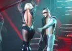 Vídeo mostra zíper de figurino de Britney Spears aberto durante show - Reprodução