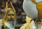 Com novo carnavalesco e mais luxo, Império de Casa Verde desfila mistérios