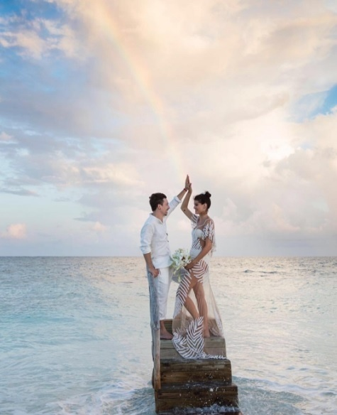 Di Ferrero e Isabeli Fontana se casam nas Maldivas