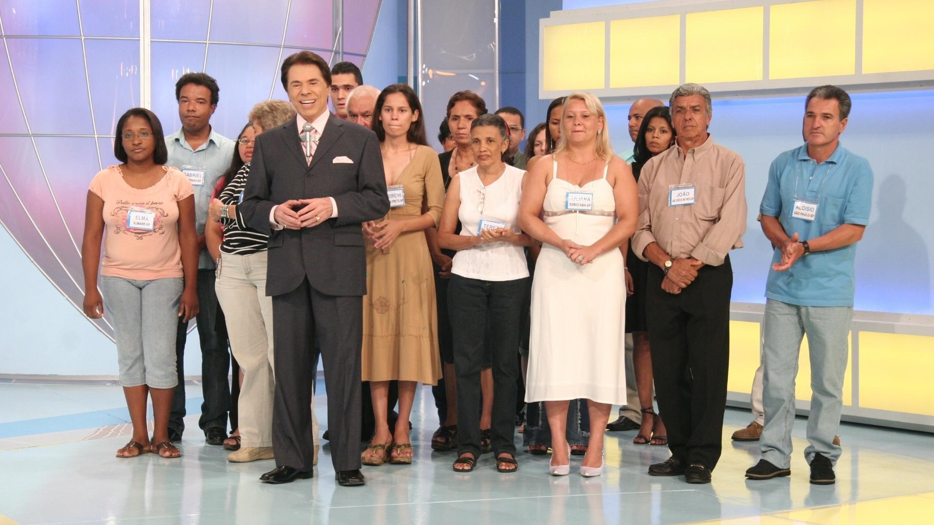 2007 - Silvio Santos com os fregueses do Baú da Felicidade no programa