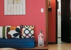 Mix ousado de rosa fechado, laranja e azul compõe ambiente marcante (Foto: Marcos Lima/Revista Minha Casa)