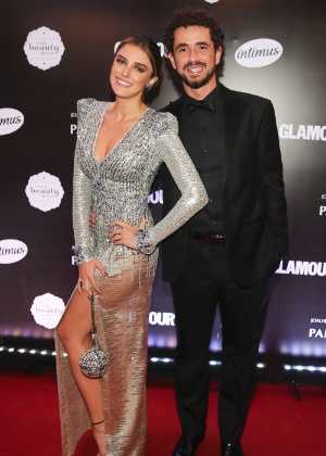 Rafa Brites anuncia que está grávida do 1º filho com Andreoli