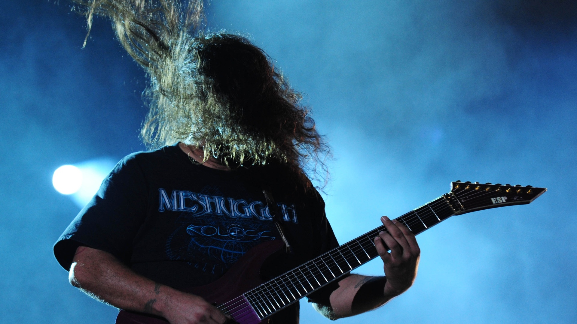 25.set.2015 - O guitarrista Stephen Carpenter durante apresentação da banda Deftones em São Paulo