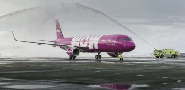 [Internacional] Em apoio aos homossexuais, companhia aérea batiza avião de TF-GAY A-wow-tambem-tem-uma-aeronave-batizada-de-tf-mom-1456926292148_615x300