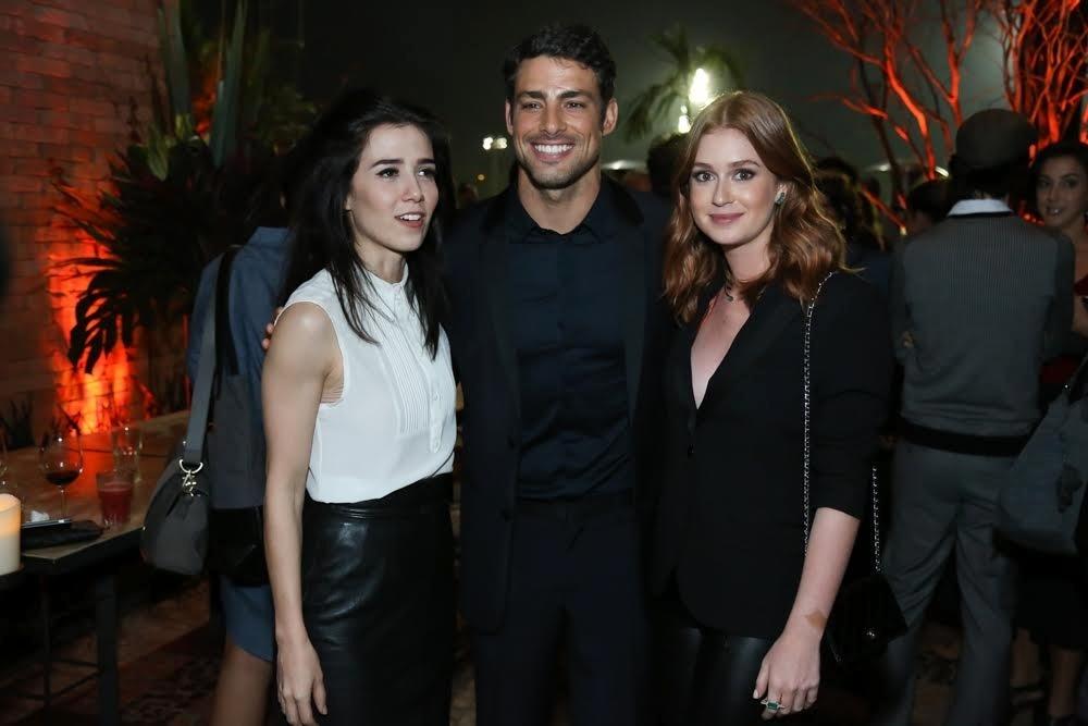 25.jul.2016 - Marjorie Estiano, Cauã Reymond e Marina Ruy Barbosa no lançamento da minissérie