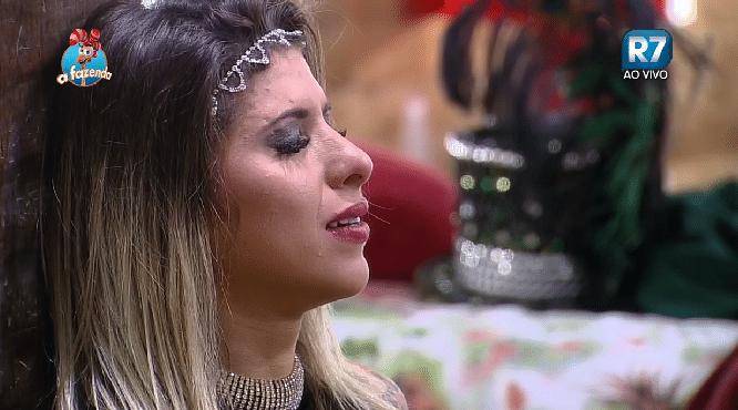 6.nov.2015 - Ana Paula Minerato chora por saudade de Thiago Servo