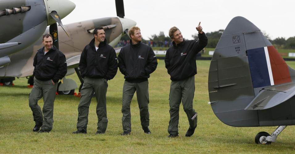 15.set.2015 - No dia de seu aniversário de 31 anos, Príncipe Harry visita o aeródromo de Goodwood, na Inglatera, e comparece à cerimônia para celebrar o 75º aniversário da Batalha da Grã-Bretanha, que opôs nazistas e britânicos na Segunda Guerra Mundial