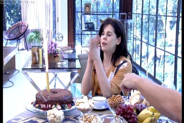 Bárbara Paz comemora aniversário no